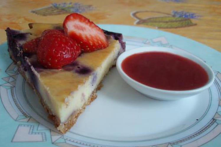Cheesecake à la myrtille, coulis de fraise