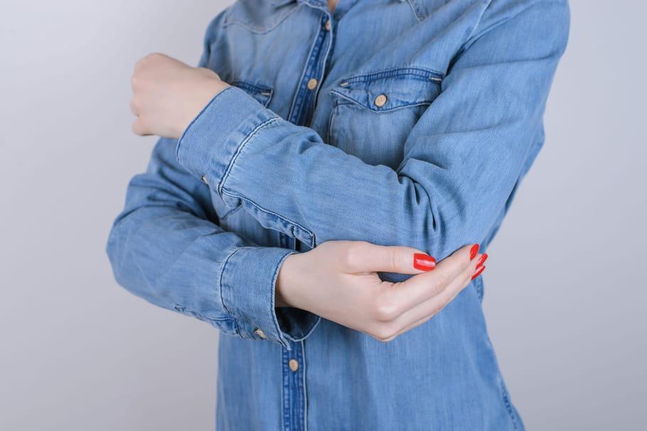 Luxation du coude: symptômes, traitements, temps de guérison