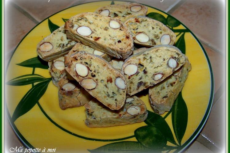 Croquants aux olives vertes et amandes au mélange italien