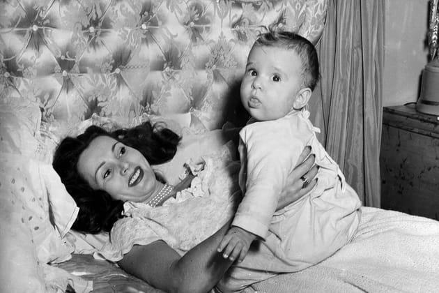 1947: Zsa Zsa Gabor et sa fille Constance Francesca Hilton