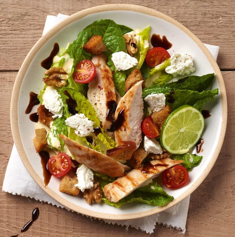recette de salade caesar l g re au carr frais la recette facile. Black Bedroom Furniture Sets. Home Design Ideas
