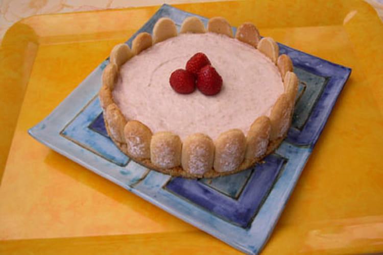 Mousse à la rhubarbe au coulis de fraises