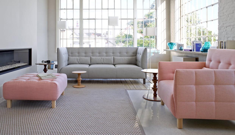 un duo fauteuil et ottoman gourmand. Black Bedroom Furniture Sets. Home Design Ideas
