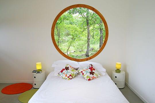 Un bungalow ouvert sur la nature