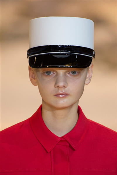 Moncler Gamme Rouge (Close Up) - photo 2