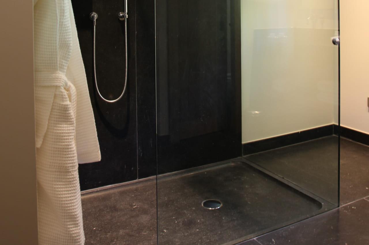 comment faire une douche à l'italienne soi-même ?
