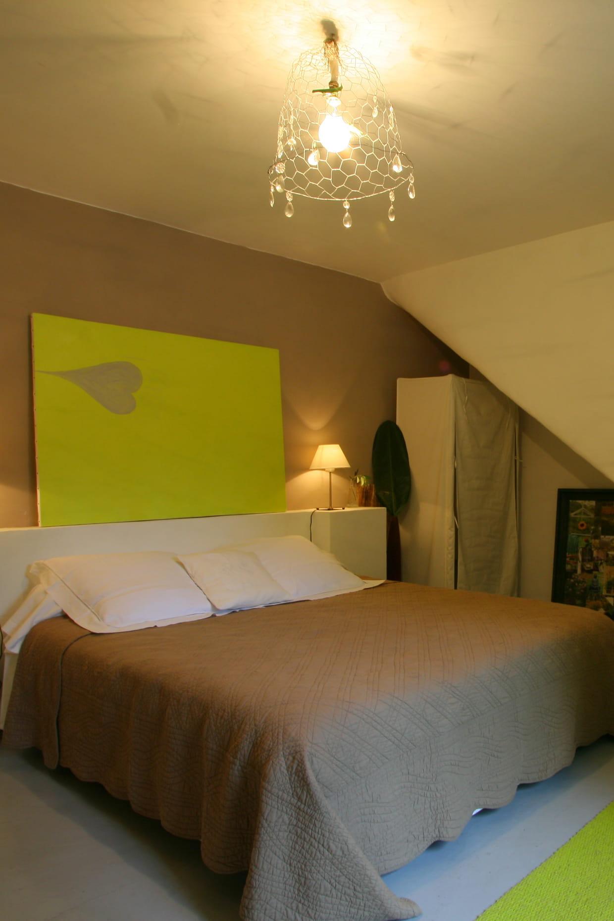 une chambre harmonieuse. Black Bedroom Furniture Sets. Home Design Ideas