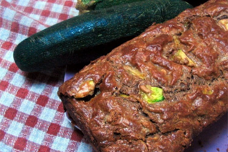 Recette de cake aux courgettes et au thon la recette facile - Cuisiner courgettes poele ...