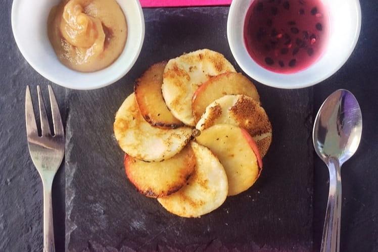 Carpaccio crêpes-pommes aux deux caramels
