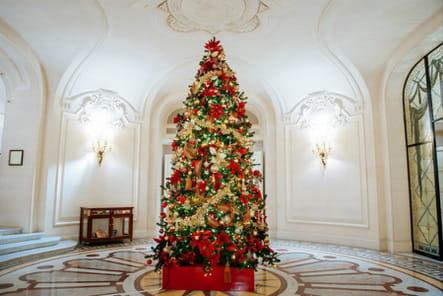 Le sapin de Noël du Shangri-La Paris