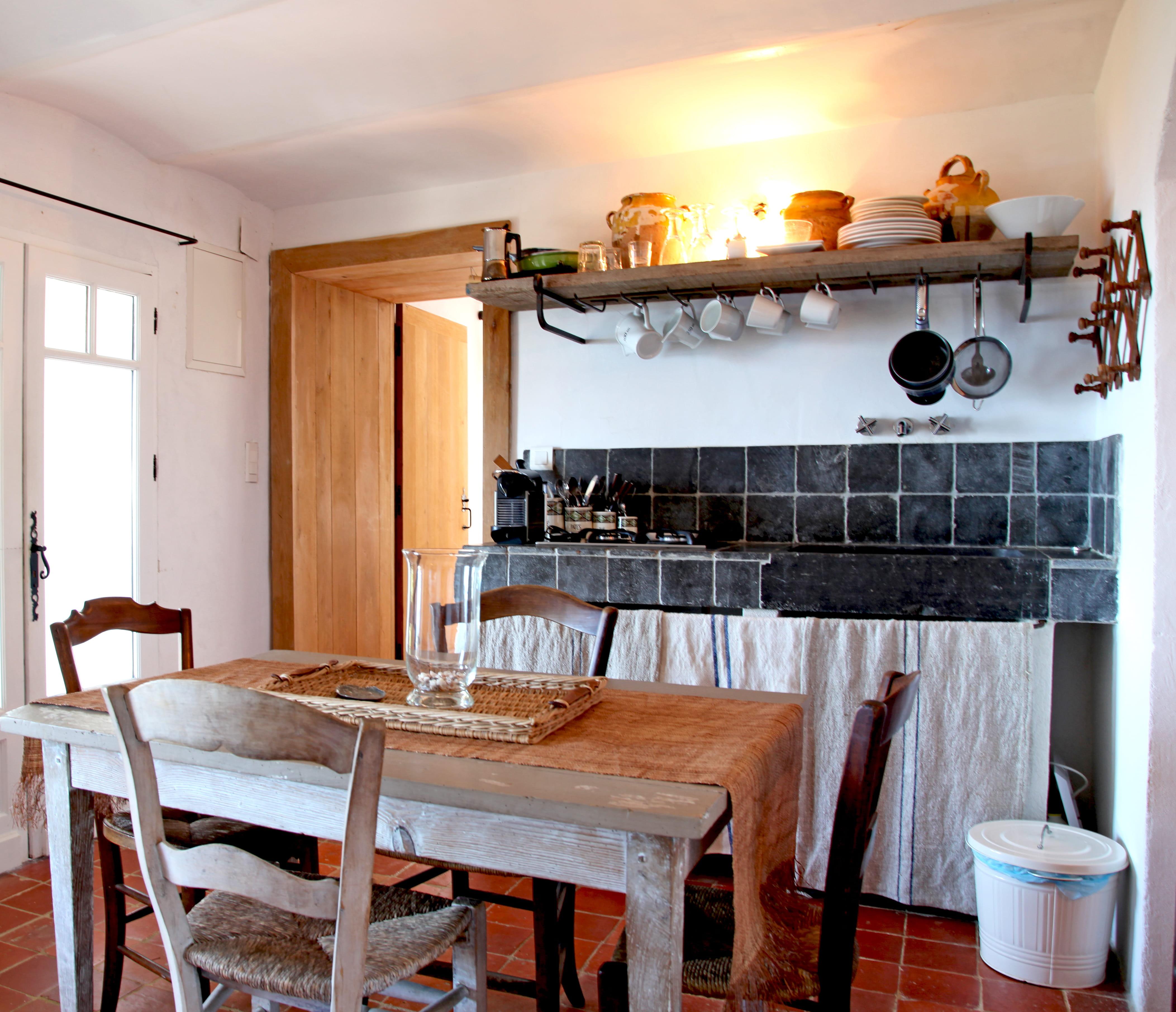 18 id es pour une petite cuisine optimis e et fonctionnelle - Cuisine dans petit espace ...