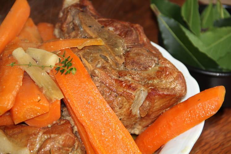 Palettes braisées au cidre, carottes et petits oignons