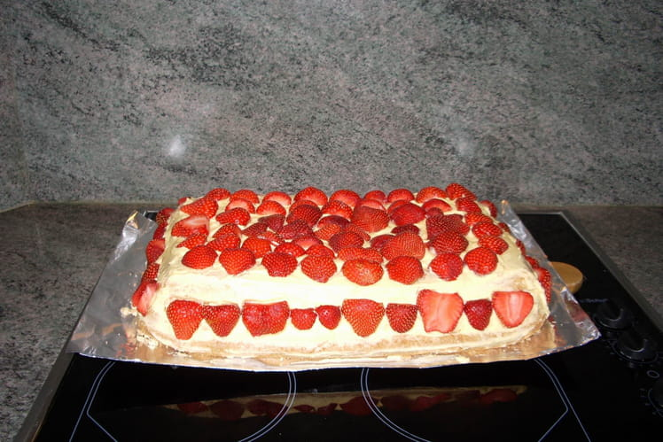 Gâteau de Savoie en fraisier