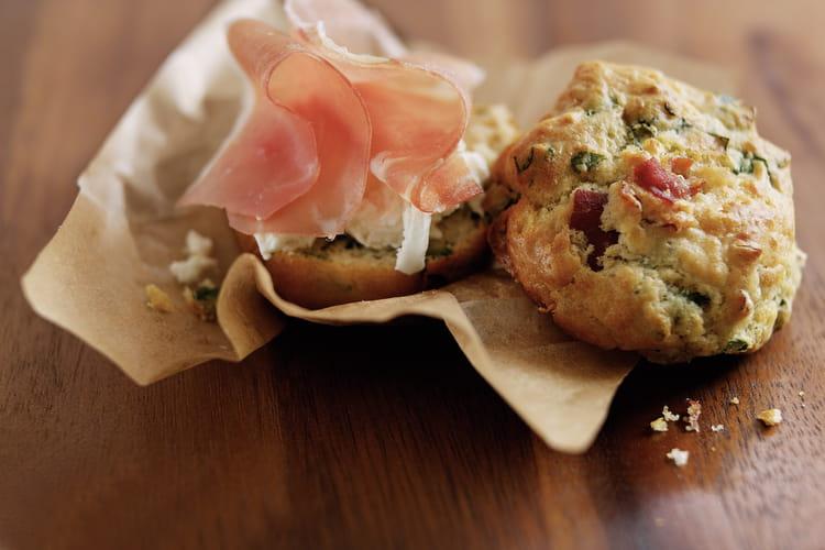 Muffins au jambon de Parme, épinards et fromage de chèvre