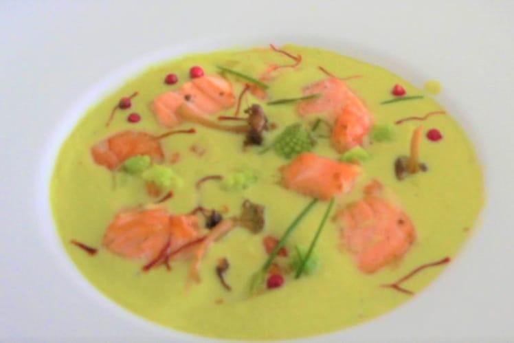 Saumon et crevettes à la crème de chou fleur parfumé aux pistils de safran