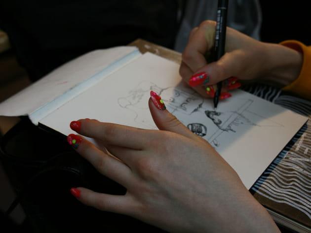 Du nail art avec des stickers
