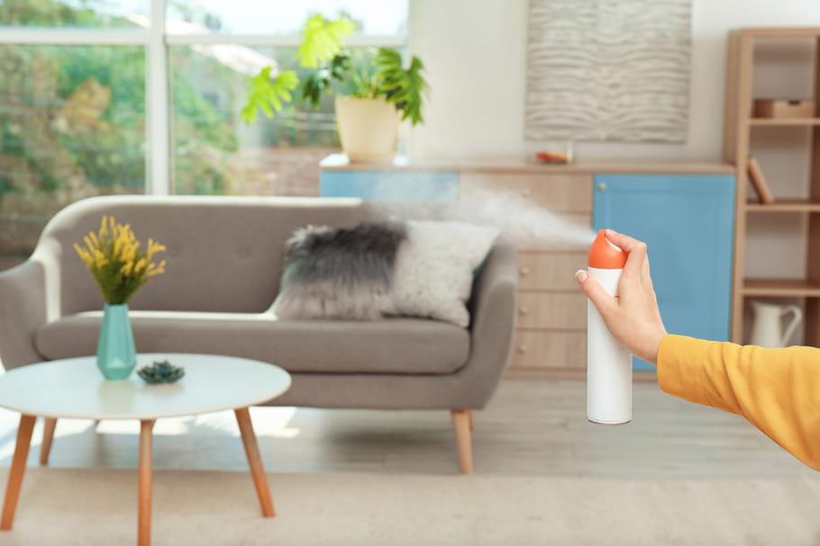 Les sprays et produits ménagers parfumés favorisent l'asthme du bébé