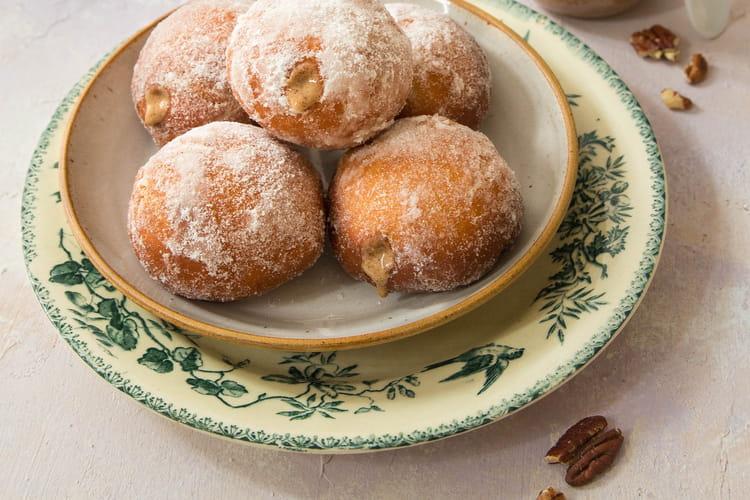Petits beignets au sucre, fourrés à la Pécatonka