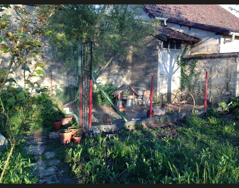Le poulailler au fond du jardin