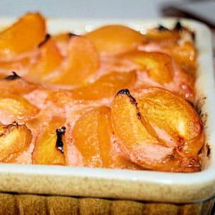 clafoutis aux abricots et aux fraises tagada