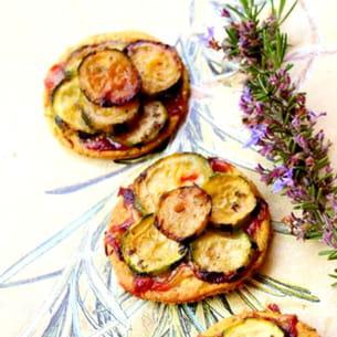 mini tartelettes de courgettes confites au miel, romarin et gorgonzola