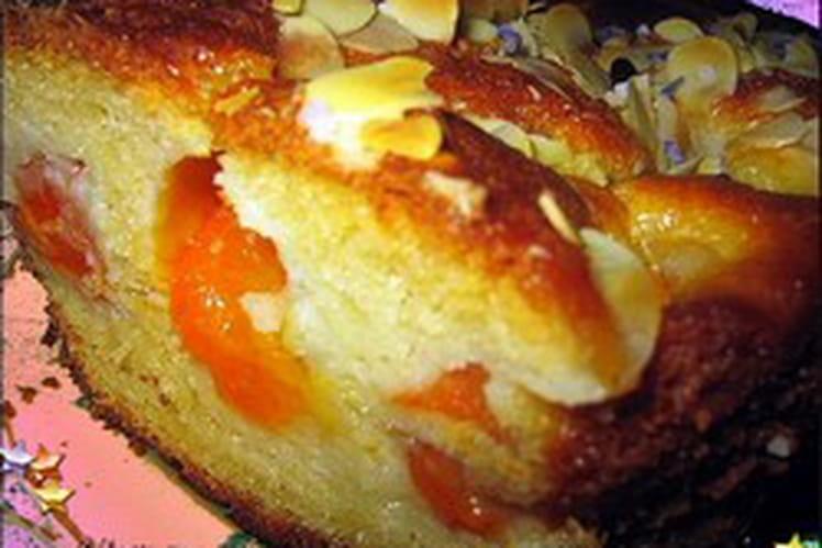 Gâteau au yaourt aux abricots et à la lavande