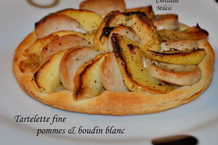 Tartelette fine aux pommes et boudin blanc