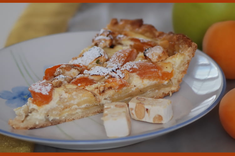 Tarte abricots, pommes, nougat