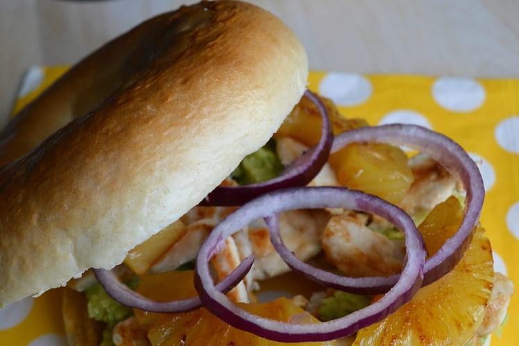 Bagel au poulet sucré-salé