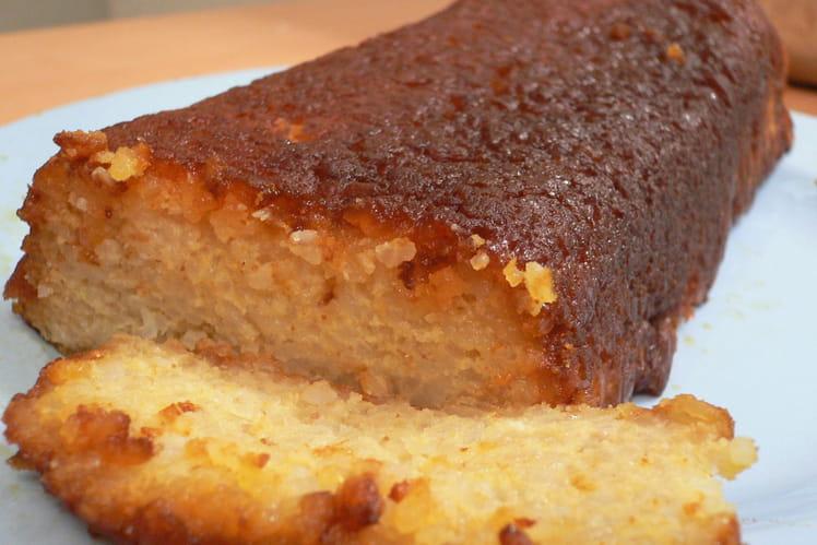 Gâteau de riz au caramel et à l'orange
