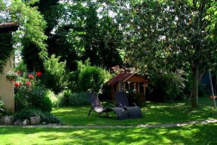 Pergola conseils et photos pour construire et entretenir sa pergola - Deco jardin colore le mans ...