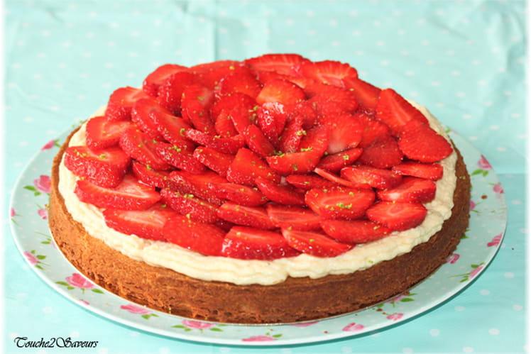 Tarte aux fraises à la crème sur sablé maison