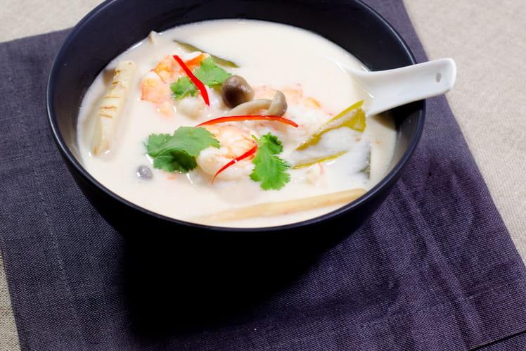 Soupe Tom Kha Kai aux crevettes