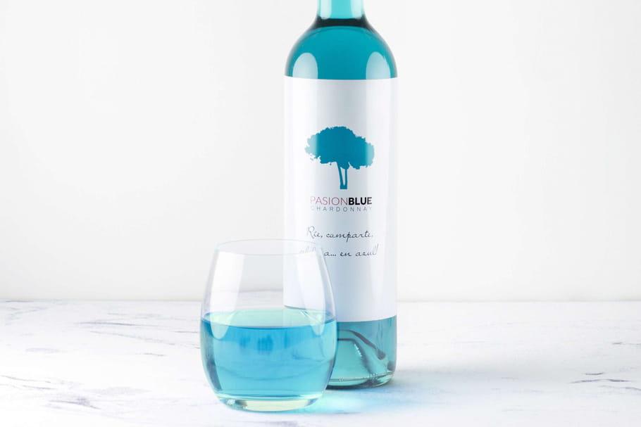 Un vin qui voit la vie en bleu, enfin presque!