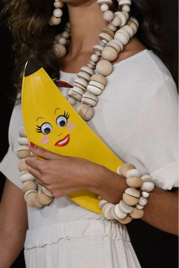 Le sac banane du défilé Charlotte Olympia