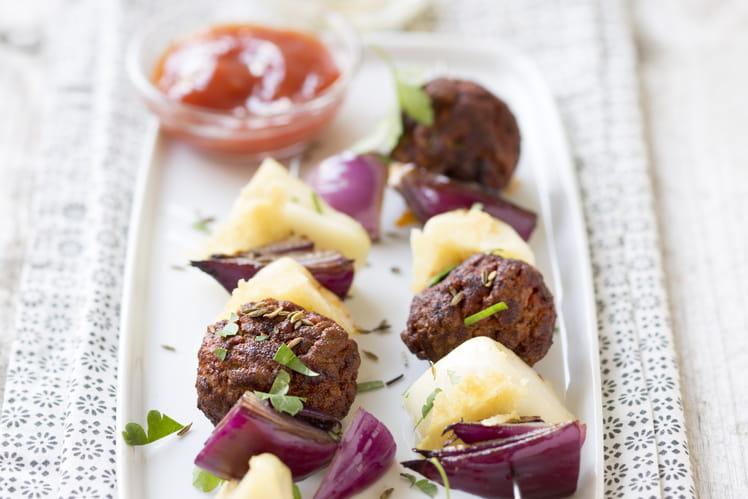 Brochettes reblochon et boulettes de viande parfumées