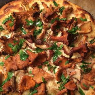 pizza aux champignons sauvage