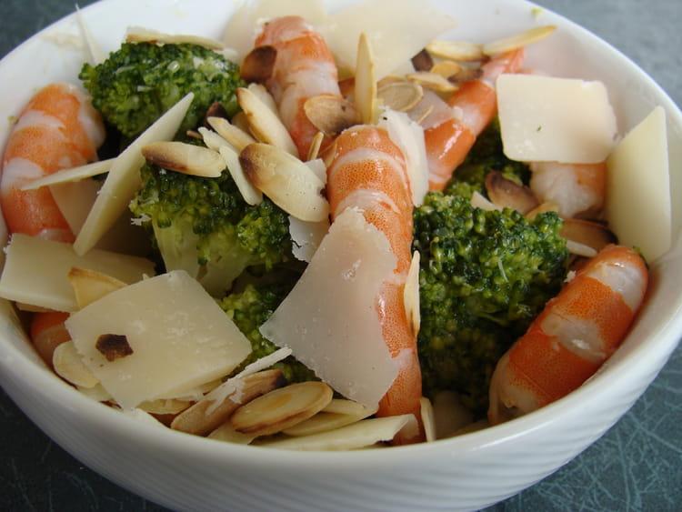 Recette de salade de brocolis et crevettes la recette facile - Cuisiner des brocolis frais ...