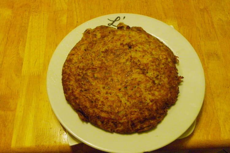 Gâteau de pommes de terre, jambon et gruyère râpé