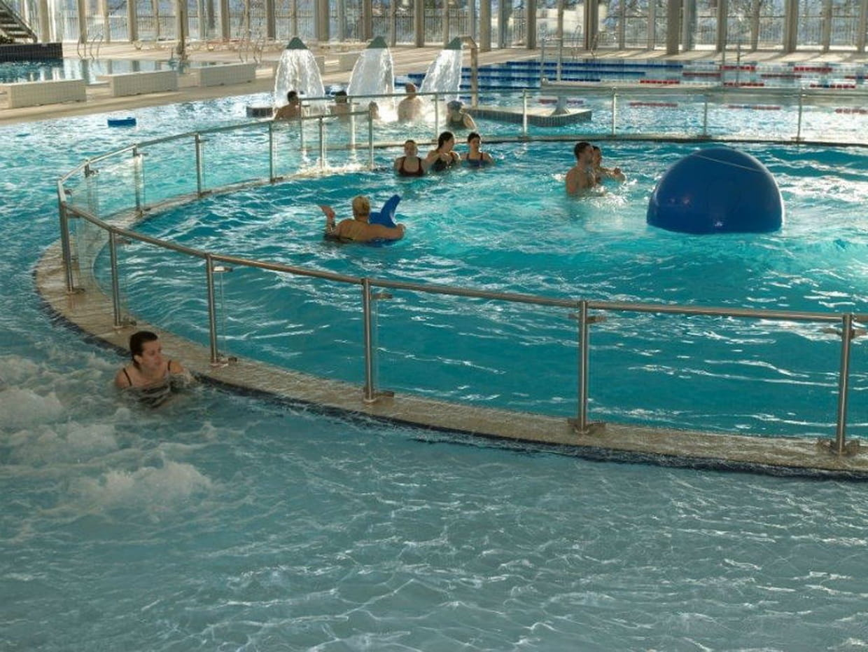 La piscine du petit port nantes for Piscine nantes gloriette