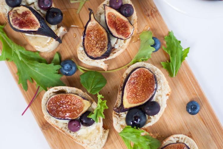 Toasts au fromage de chèvre et aux figues