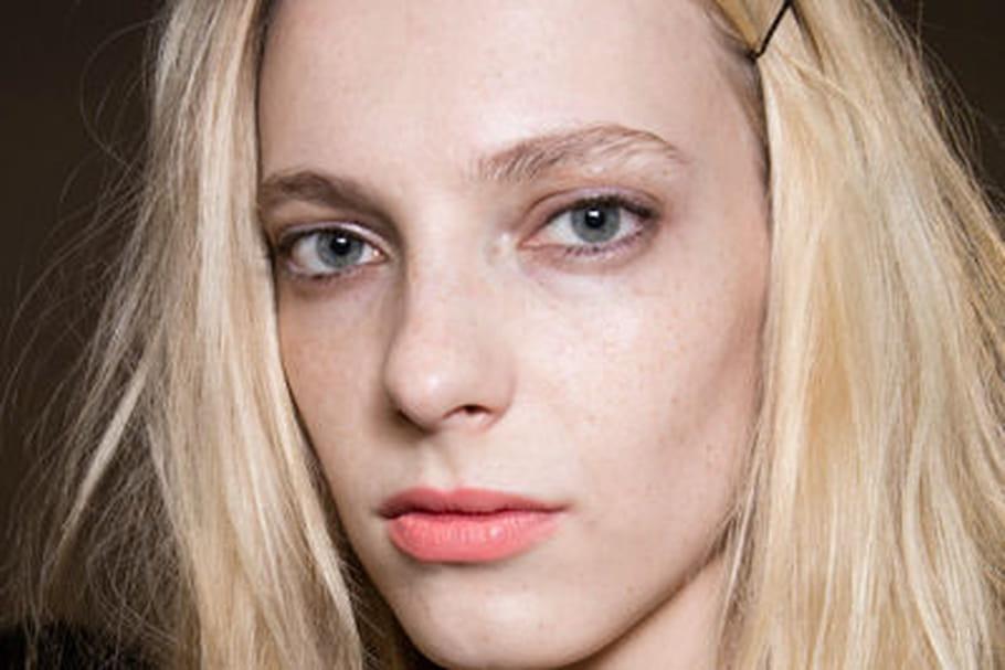 Le maquillage léger et romantique du défilé Rochas
