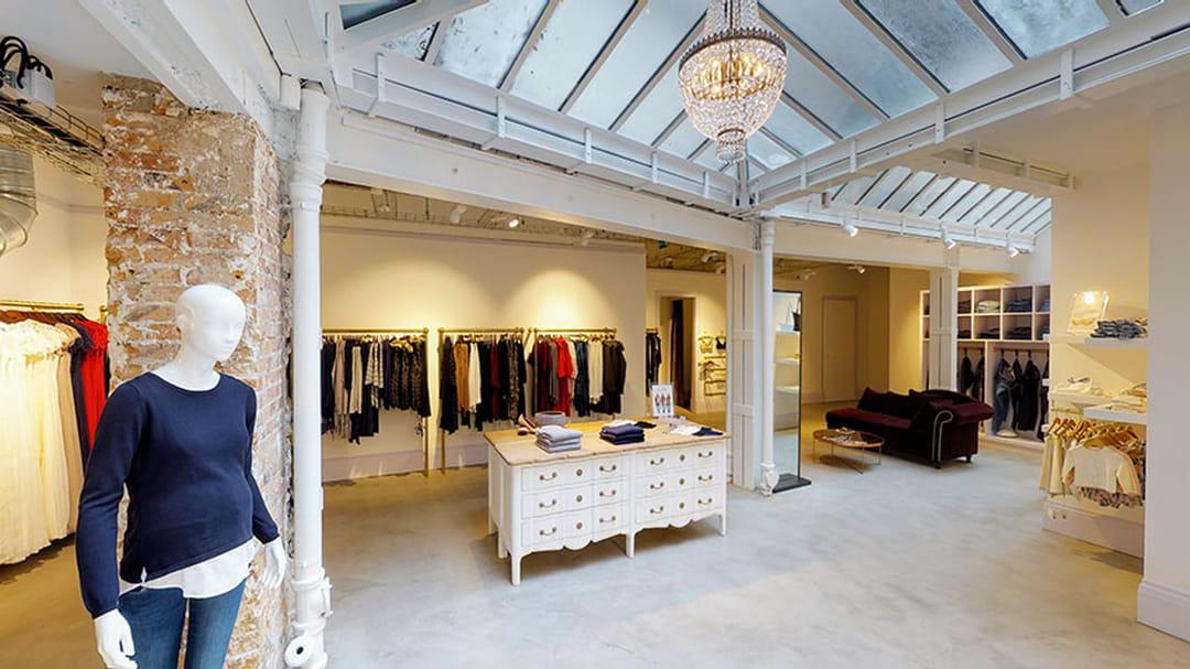 Inauguration de la boutique à Paris, 4 Place Saint-Sulpice © Séraphine 138ff5c423bc