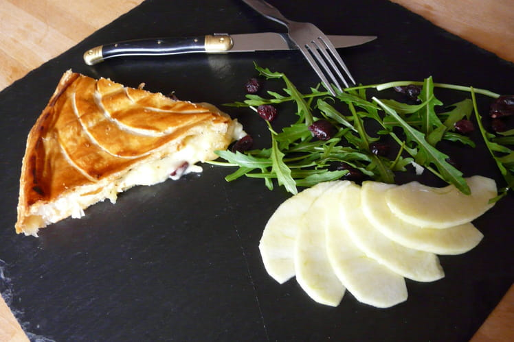 Tourte camembert, pommes, cranberries et miel