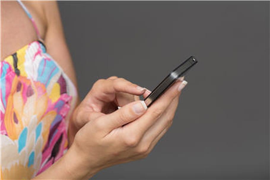 Téléphoner 30 minutes par jour avec un portable augmente le risque de tumeur