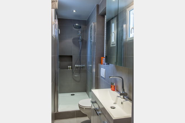 Une petite salle d'eau bien pensée