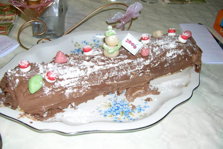 Bûche de Noël à la crème au chocolat