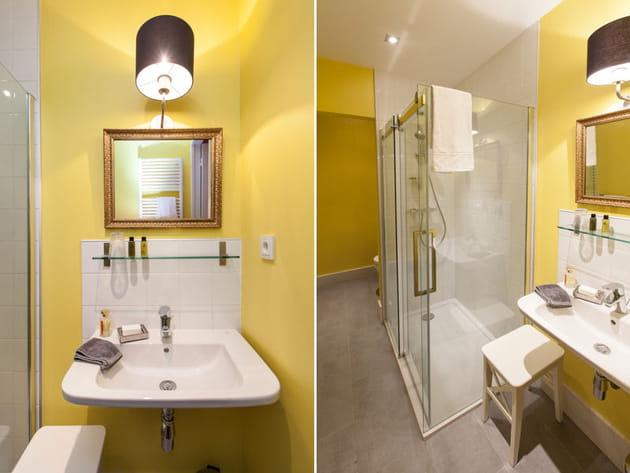 Salle de bains jaune d'or
