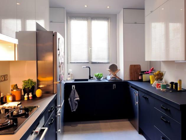la cuisine en u en image. Black Bedroom Furniture Sets. Home Design Ideas