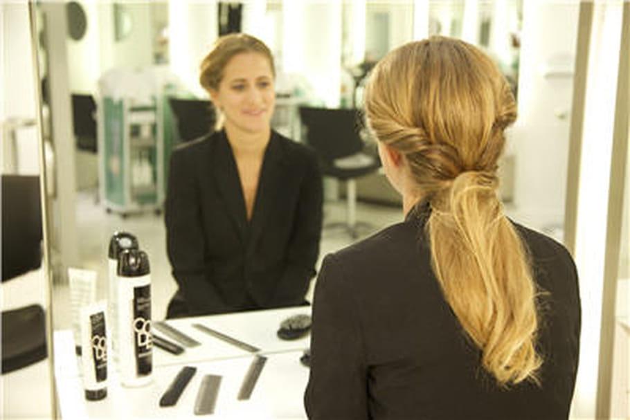Réalisez une Twisted ponytail